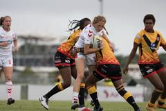 Women's rugby ()