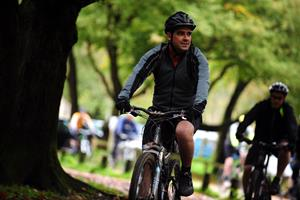 Man on bike ()