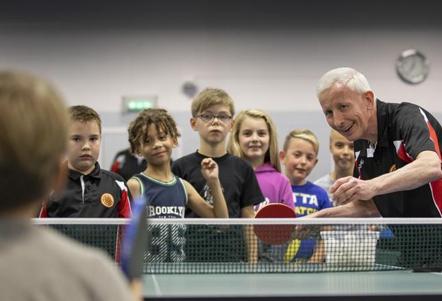 Table Tennis ()