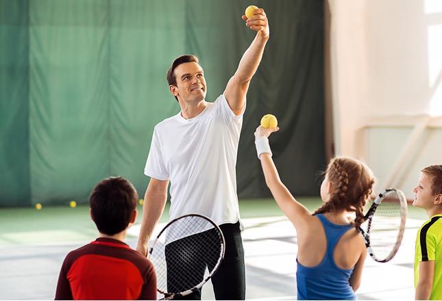 Volunteering Tennis coach ()
