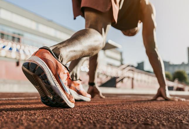 Black runner ()