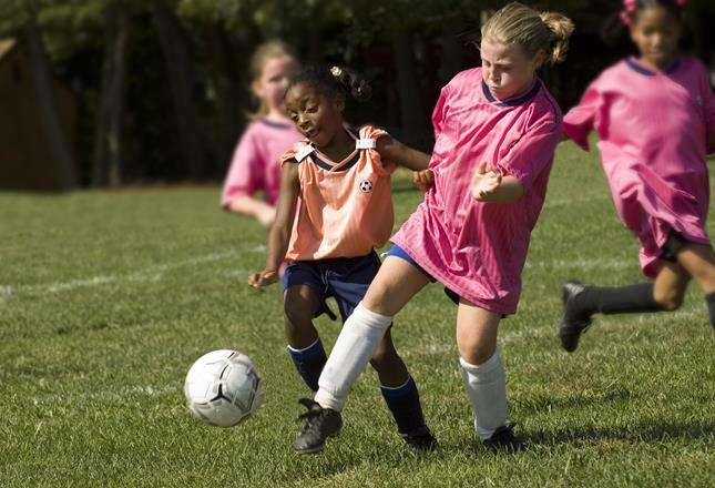 Girls football ()