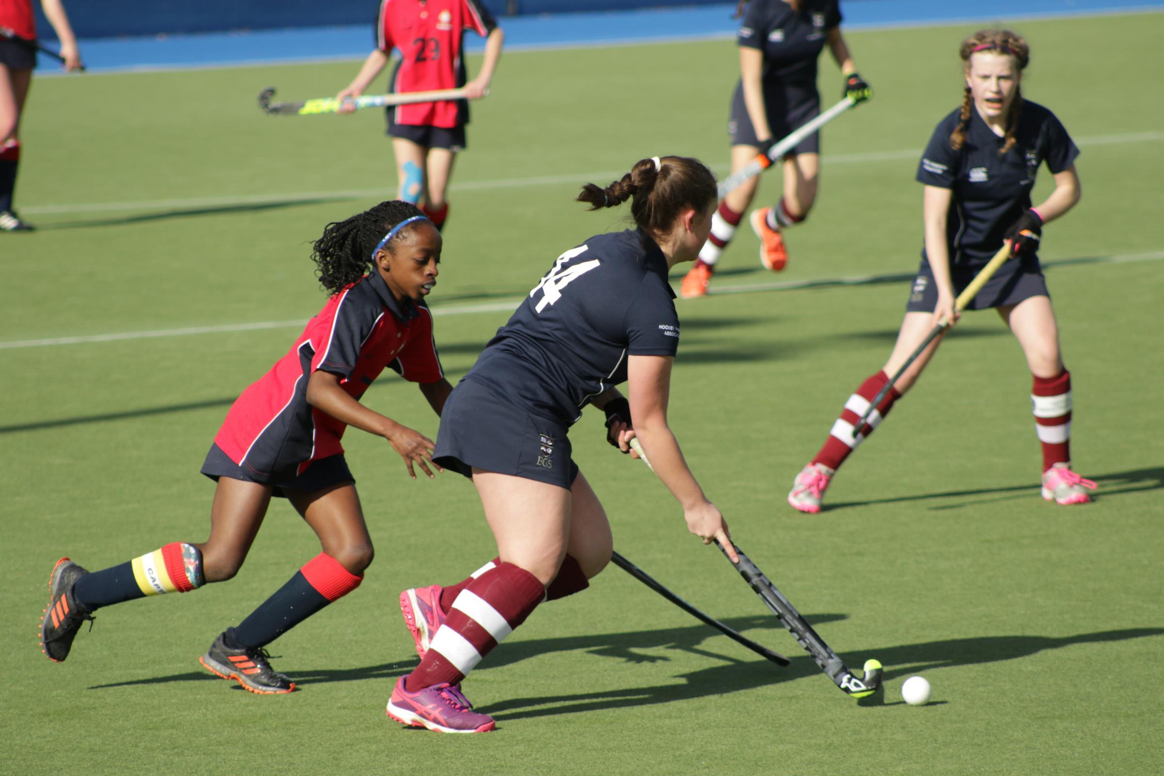 Girls Hockey ()
