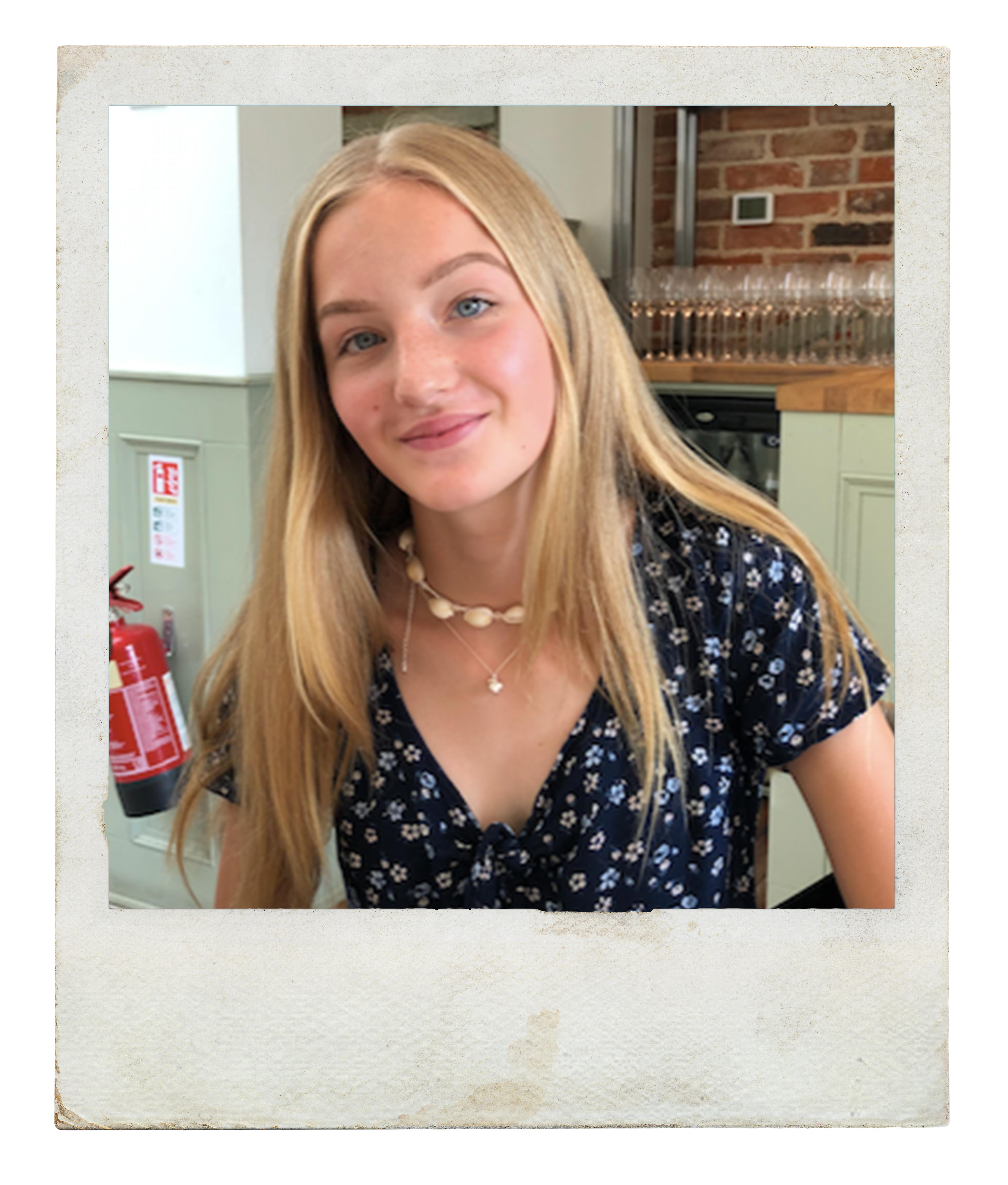 Zoe Allanson frame ()