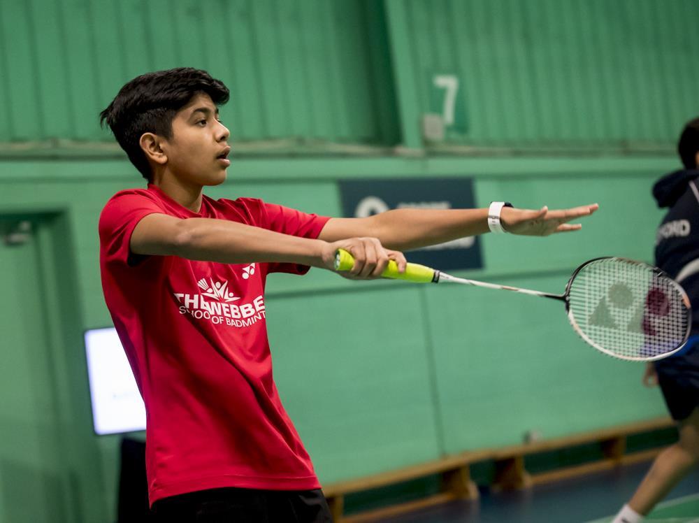 Badminton2 ()