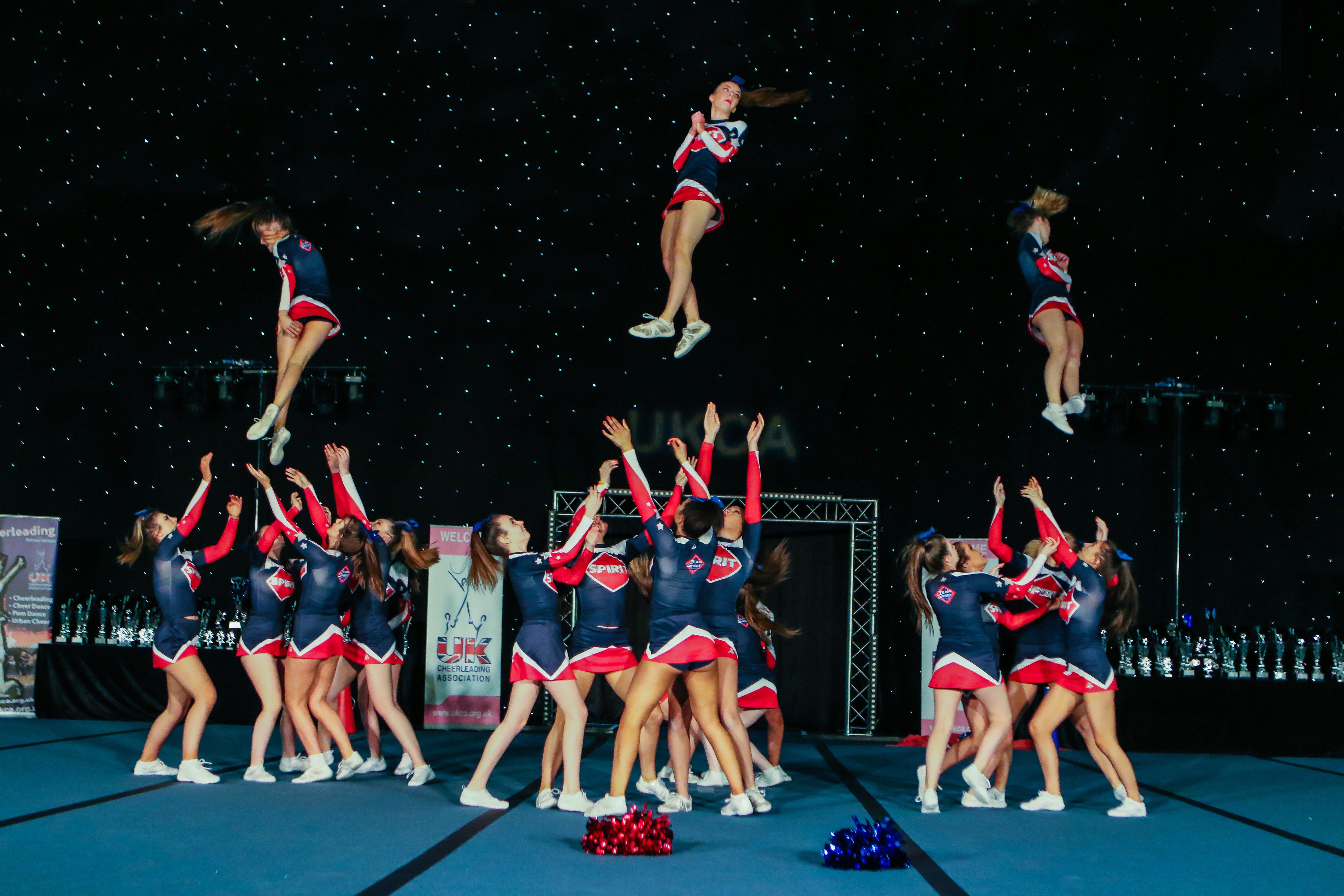 Cheerleading ()
