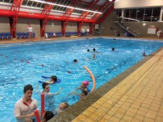 Modernian Swimming ()