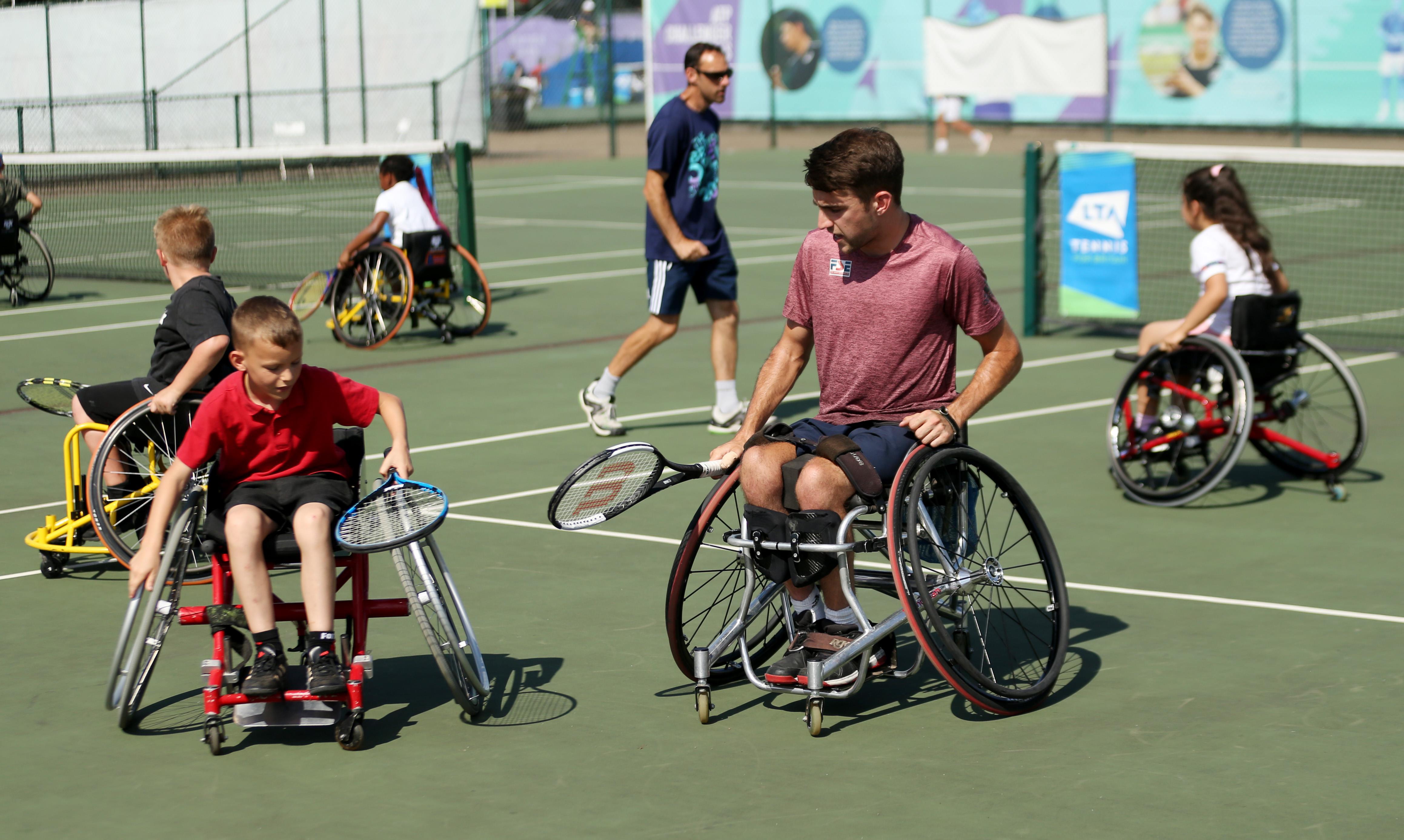 Wheelchair Tennis 2 ()